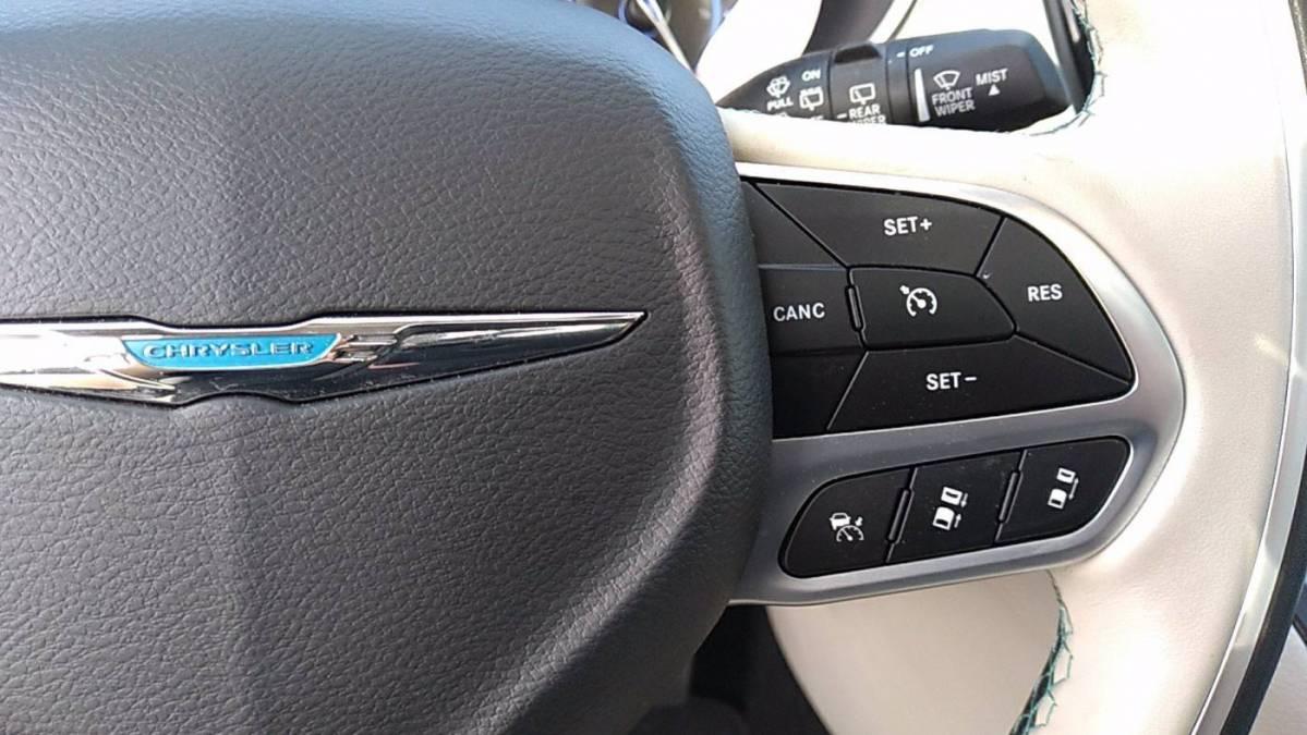 2020 Chrysler Pacifica Hybrid 2C4RC1N70LR107182