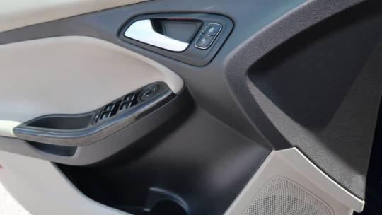 2017 Ford Focus 1FADP3R42HL275342