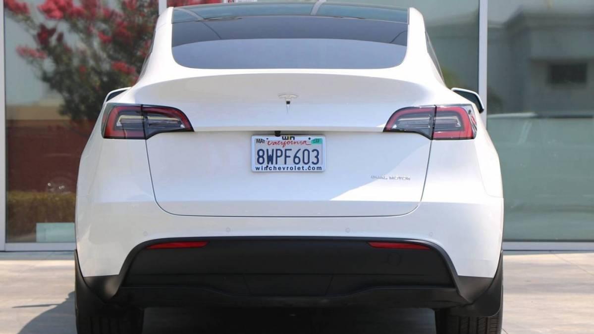 2021 Tesla Model Y 5YJYGDEE0MF195177