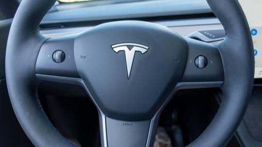 2021 Tesla Model Y 5YJYGDEE8MF191359