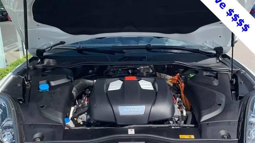 2016 Porsche Cayenne WP1AE2A29GLA60884