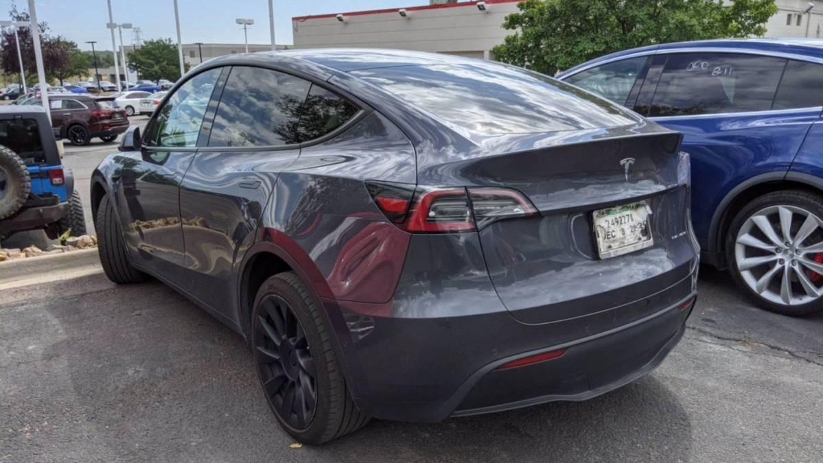 2020 Tesla Model Y 5YJYGDEE3LF018931