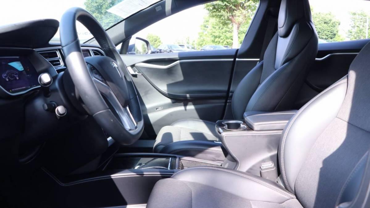 2018 Tesla Model S 5YJSA1E25JF243182