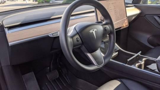 2020 Tesla Model Y 5YJYGDEE3LF030268