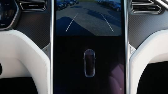 2017 Tesla Model X 5YJXCDE23HF077501