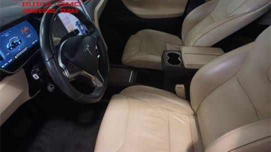 2016 Tesla Model X 5YJXCBE21GF017087