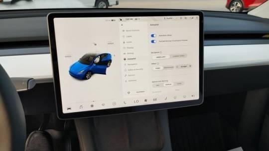 2021 Tesla Model Y 5YJYGDEE5MF187351