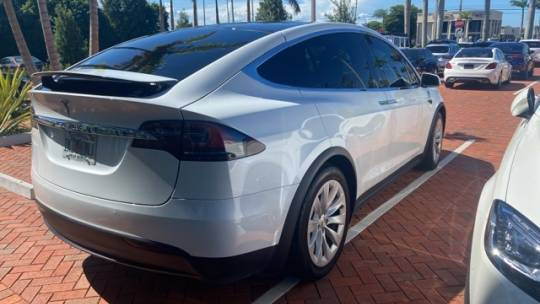 2019 Tesla Model X 5YJXCDE25KF150620