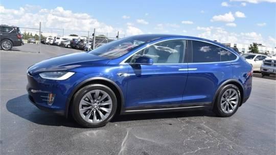 2018 Tesla Model X 5YJXCDE29JF089464