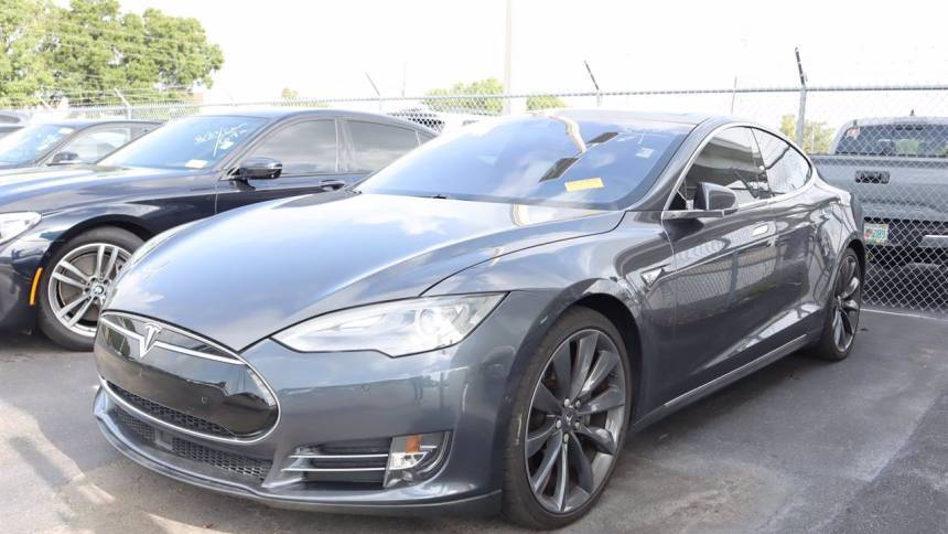 2016 Tesla Model S 5YJSA1E21GF132489