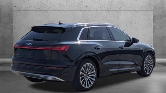 2019 Audi e-tron WA1VAAGE7KB010617
