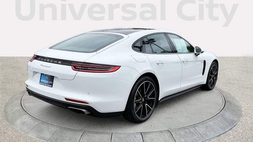 2018 Porsche Panamera WP0AE2A79JL127763