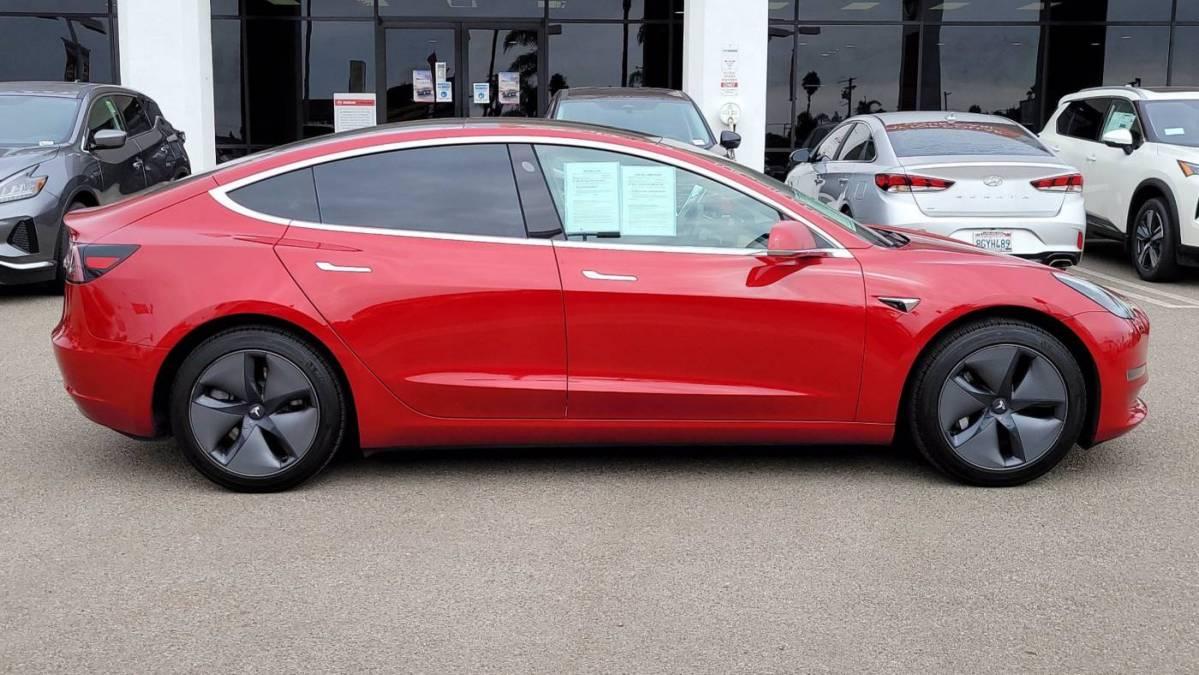 2019 Tesla Model 3 5YJ3E1EA4KF400671
