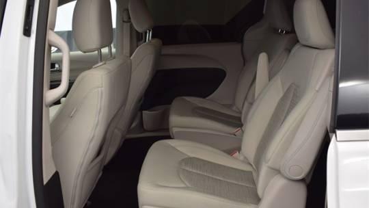 2018 Chrysler Pacifica Hybrid 2C4RC1H77JR175603