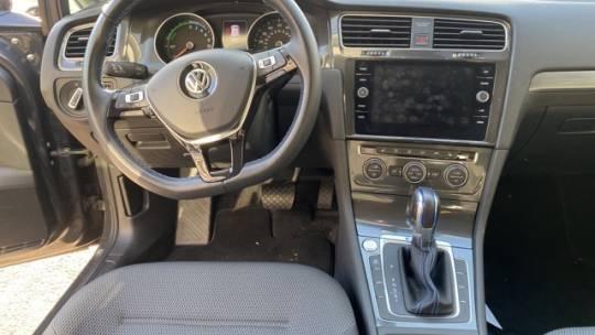 2018 Volkswagen e-Golf WVWKR7AU1JW907573