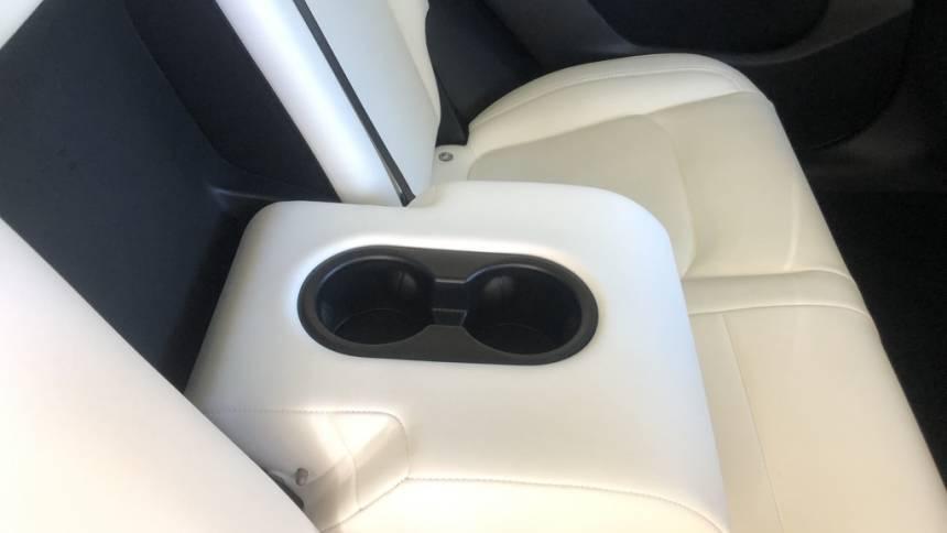 2020 Tesla Model Y 5YJYGDEE1LF037591