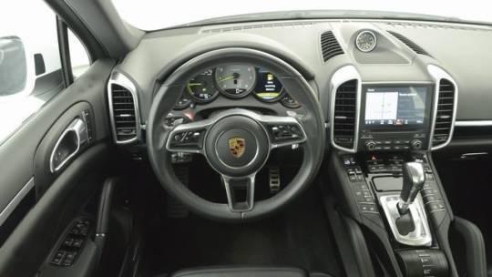 2018 Porsche Cayenne WP1AE2A21JLA71675
