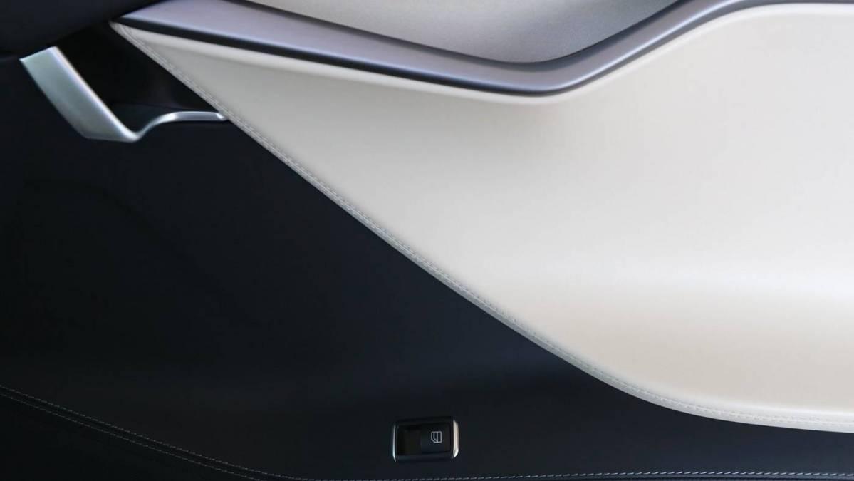 2020 Tesla Model S 5YJSA1E45LF385181