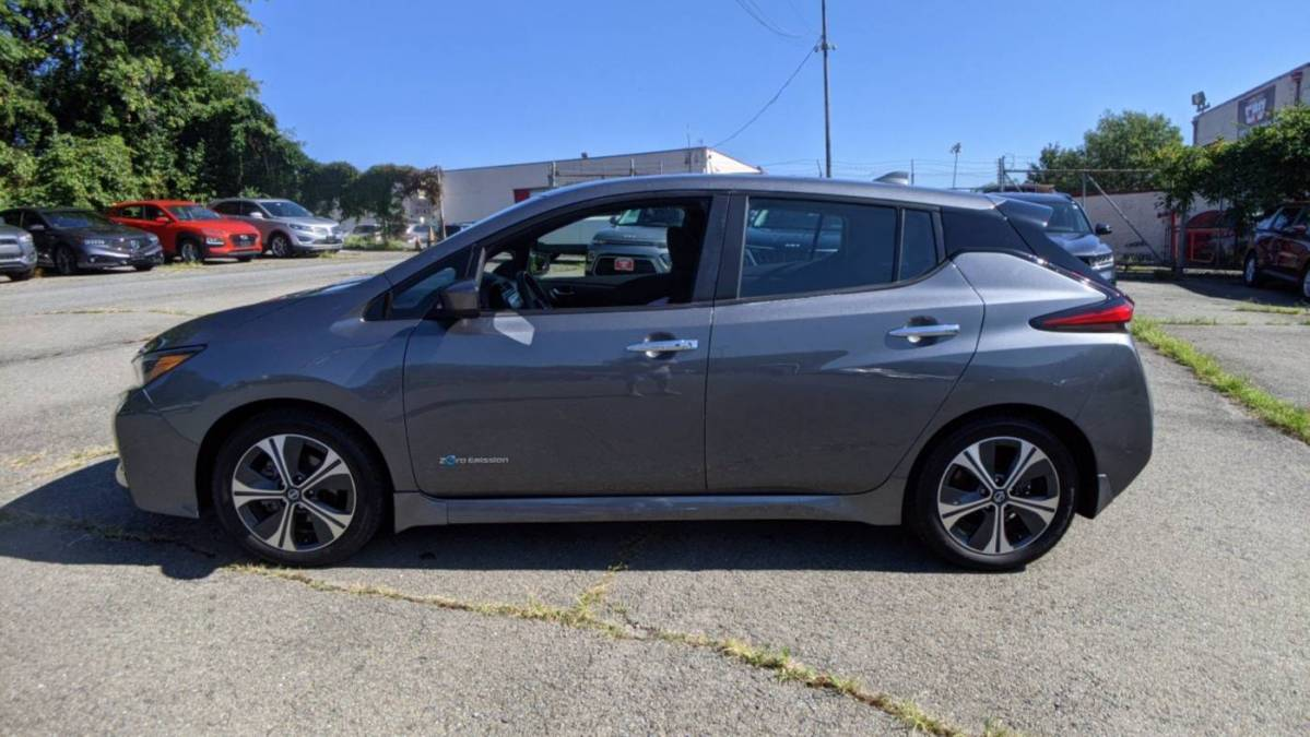 2018 Nissan LEAF 1N4AZ1CP3JC300811