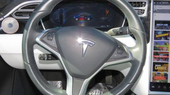2017 Tesla Model S 5YJSA1E26HF200433