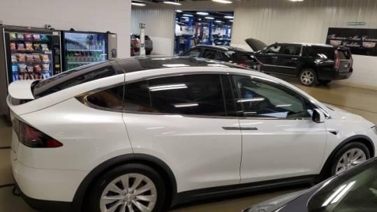 2018 Tesla Model X 5YJXCAE28JF101165