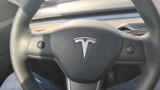 2020 Tesla Model Y 5YJYGDEE6LF034136