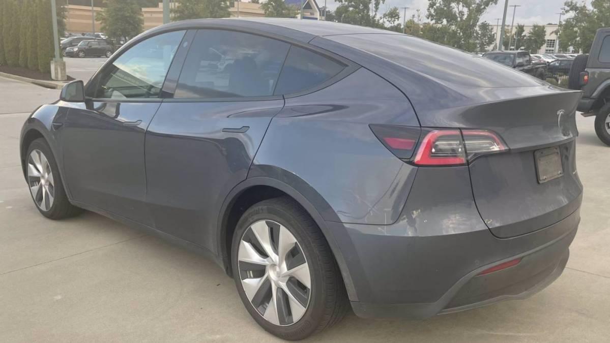 2021 Tesla Model Y 5YJYGDEE8MF105838