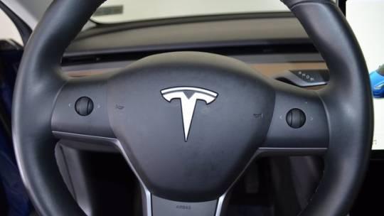 2019 Tesla Model 3 5YJ3E1EAXKF400819