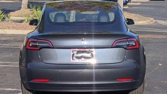 2018 Tesla Model 3 5YJ3E1EB5JF144564