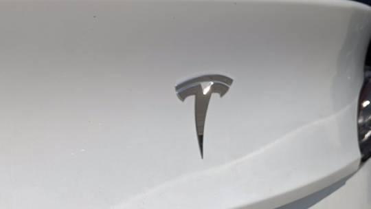 2020 Tesla Model Y 5YJYGDEE6LF030880