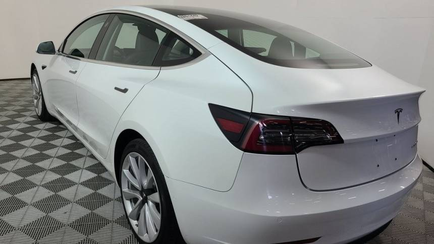 2018 Tesla Model 3 5YJ3E1EB4JF185803
