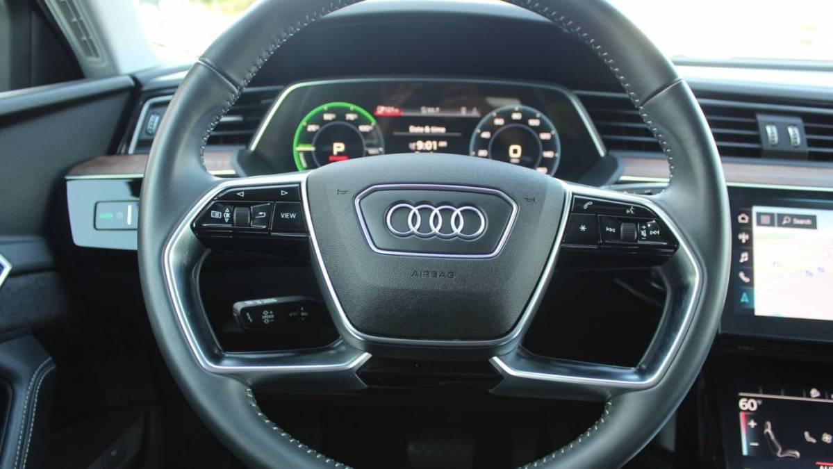 2019 Audi e-tron WA1VAAGE4KB023762