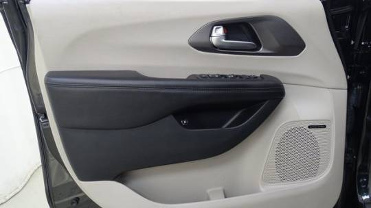 2018 Chrysler Pacifica Hybrid 2C4RC1N76JR358950