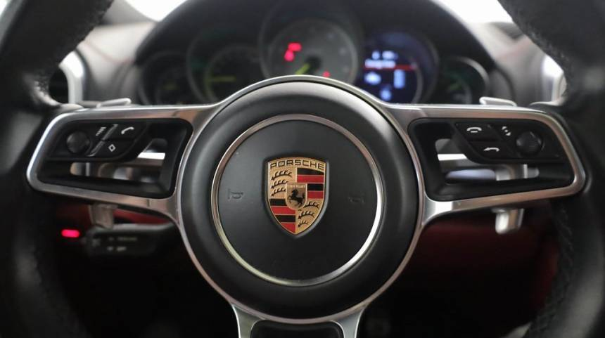 2018 Porsche Cayenne WP1AE2A26JLA70196