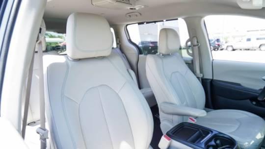 2018 Chrysler Pacifica Hybrid 2C4RC1L78JR195298