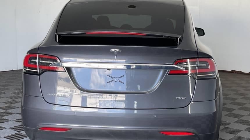 2018 Tesla Model X 5YJXCDE2XJF128580
