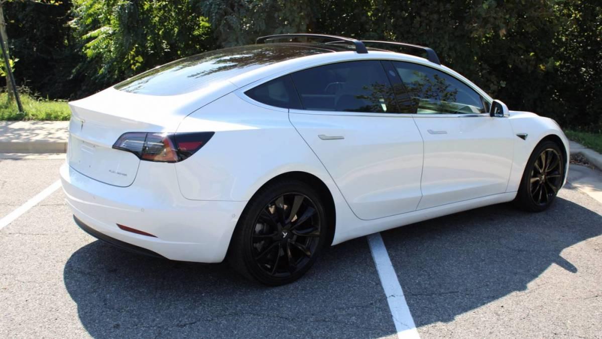 2018 Tesla Model 3 5YJ3E1EB4JF182805