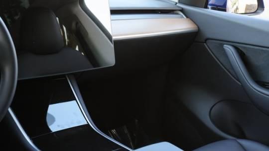 2020 Tesla Model Y 5YJYGDEE3LF040847
