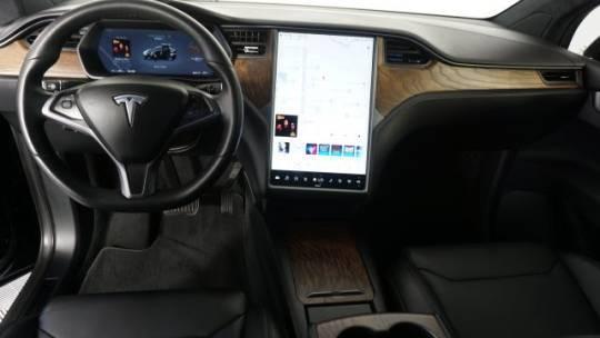 2018 Tesla Model X 5YJXCDE26JF140998