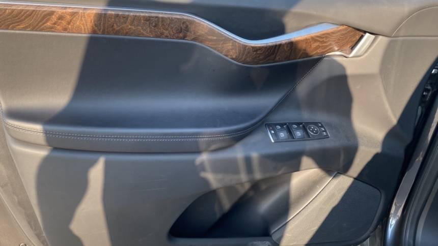 2017 Tesla Model X 5YJXCAE2XHF060466