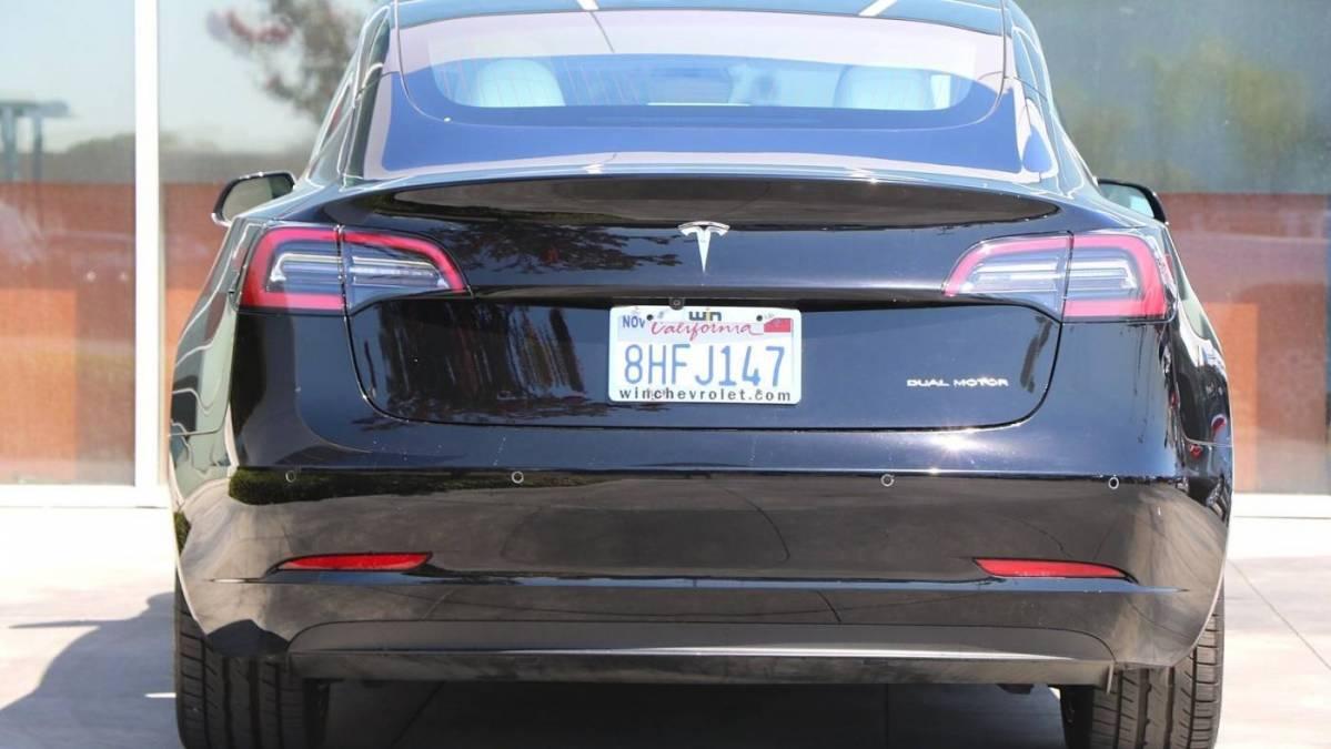 2018 Tesla Model 3 5YJ3E1EB2JF110677