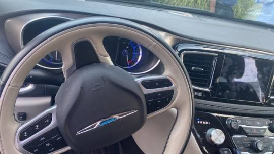 2018 Chrysler Pacifica Hybrid 2C4RC1N73JR213803