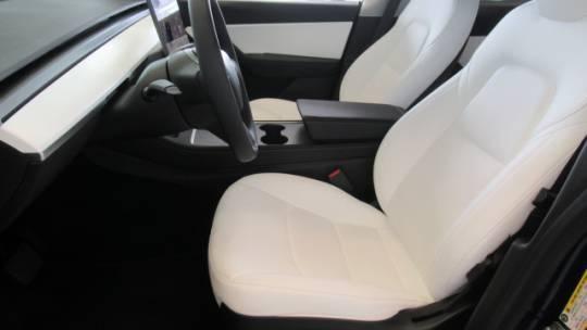 2021 Tesla Model Y 5YJYGDEEXMF183621