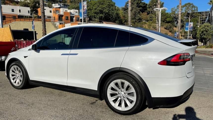 2018 Tesla Model X 5YJXCAE24JF127276