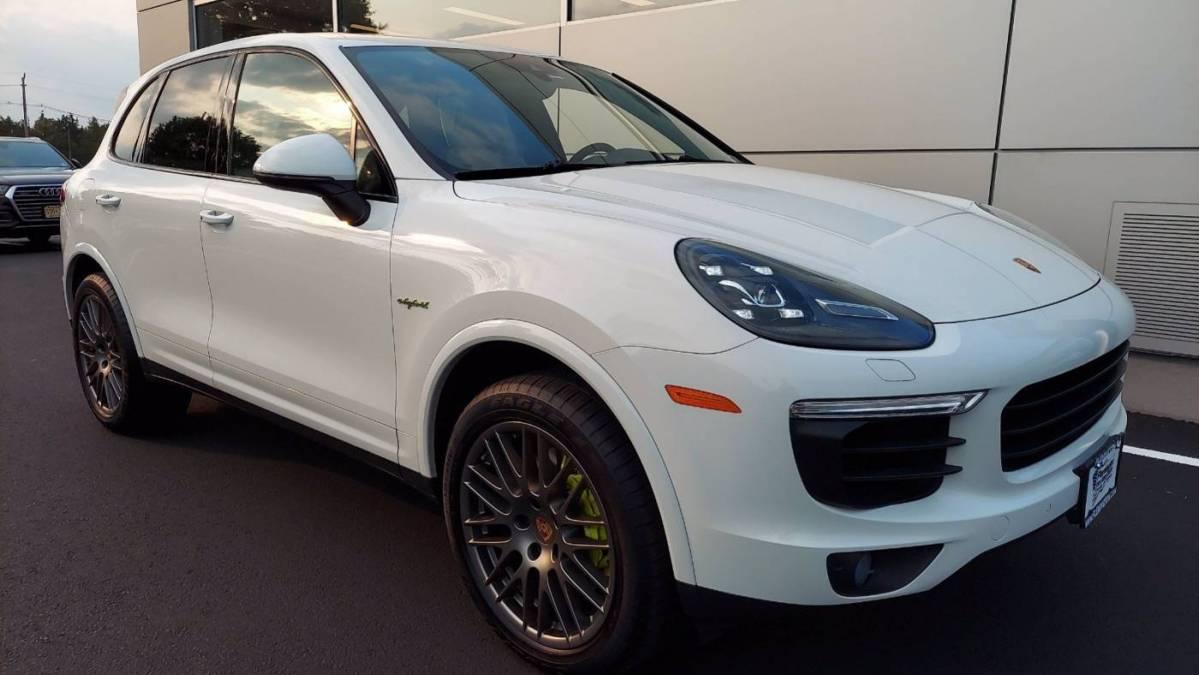 2018 Porsche Cayenne WP1AE2A25JLA72554