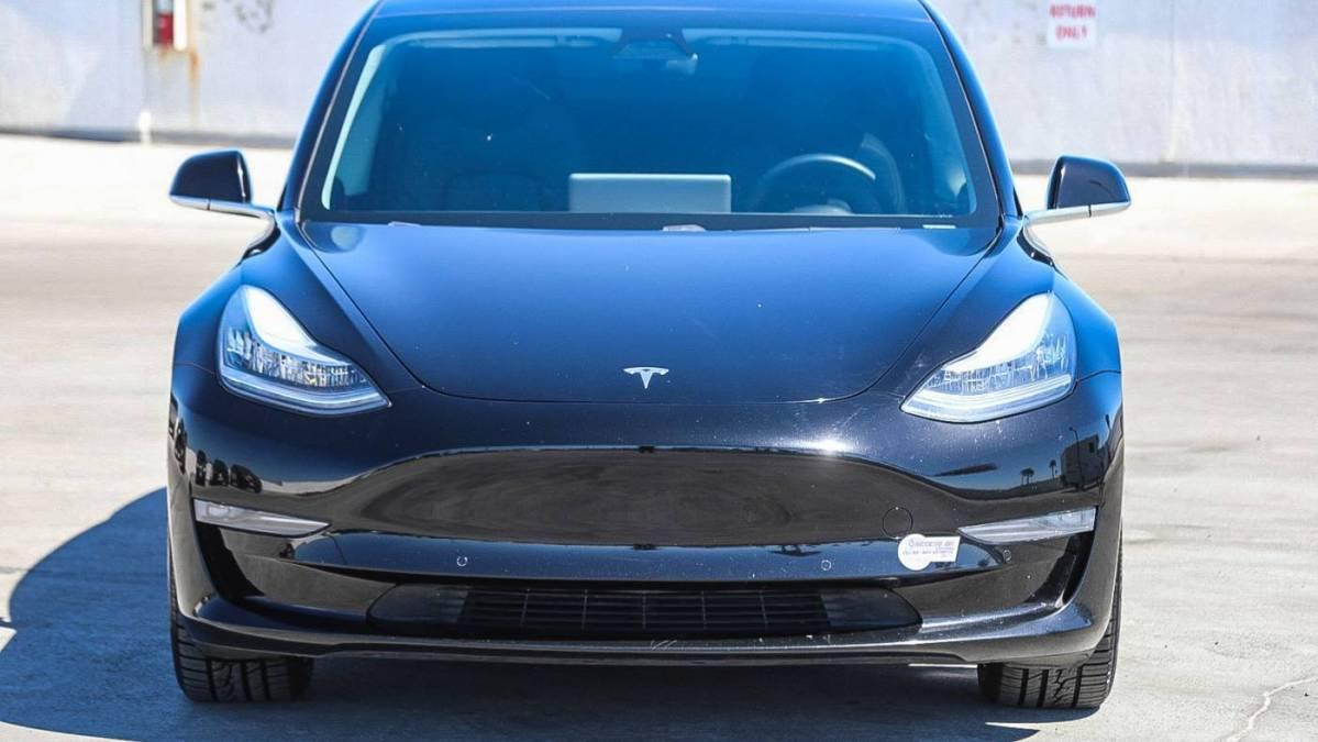 2019 Tesla Model 3 5YJ3E1EB1KF385748