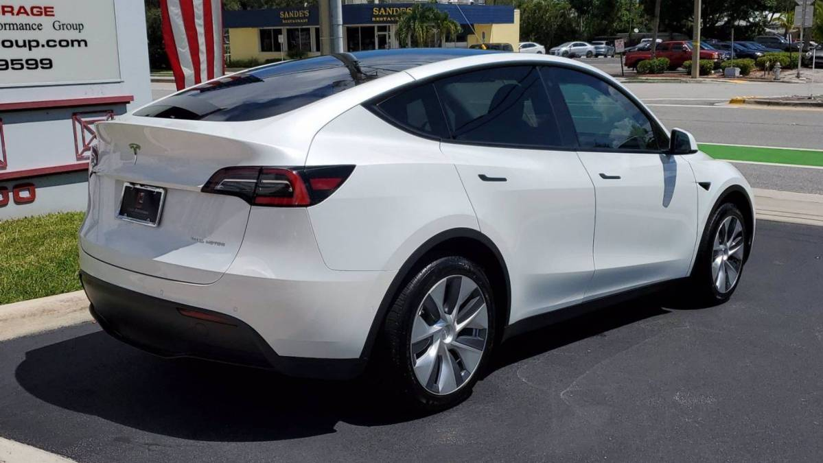 2020 Tesla Model Y 5YJYGDEE9LF047883