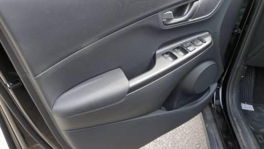 2021 Hyundai Kona Electric KM8K33AG1MU111101