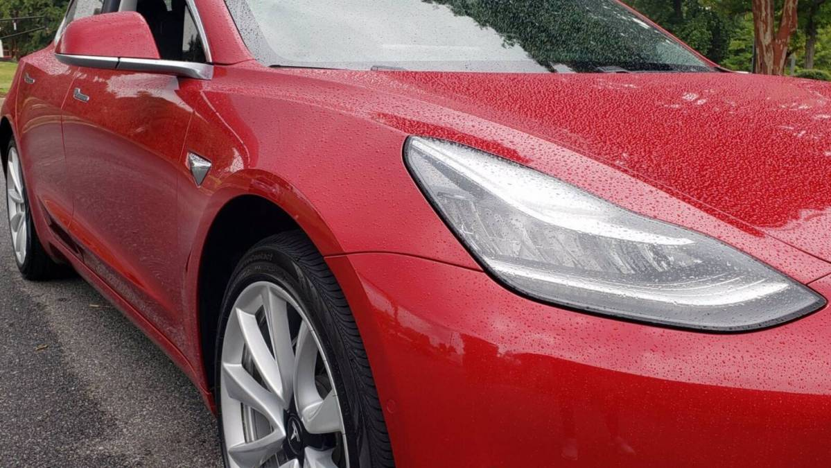 2018 Tesla Model 3 5YJ3E1EAXJF018126