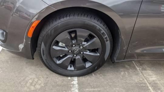 2020 Chrysler Pacifica Hybrid 2C4RC1L74LR273644